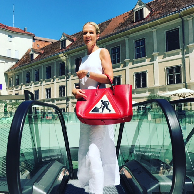Anya Hindmarch - Luxus with funny aspects!