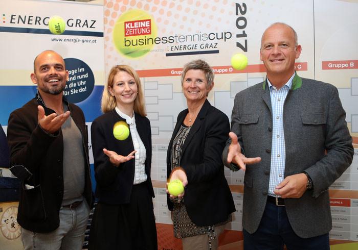 Viele prominente Gäste beim Business Tennis Cup von der Grazer Agentur Companycode. Herwig Straka, Direktor der Erste Bank Open 500 und Barbara Muhr, die steirische Tennispräsidentin.