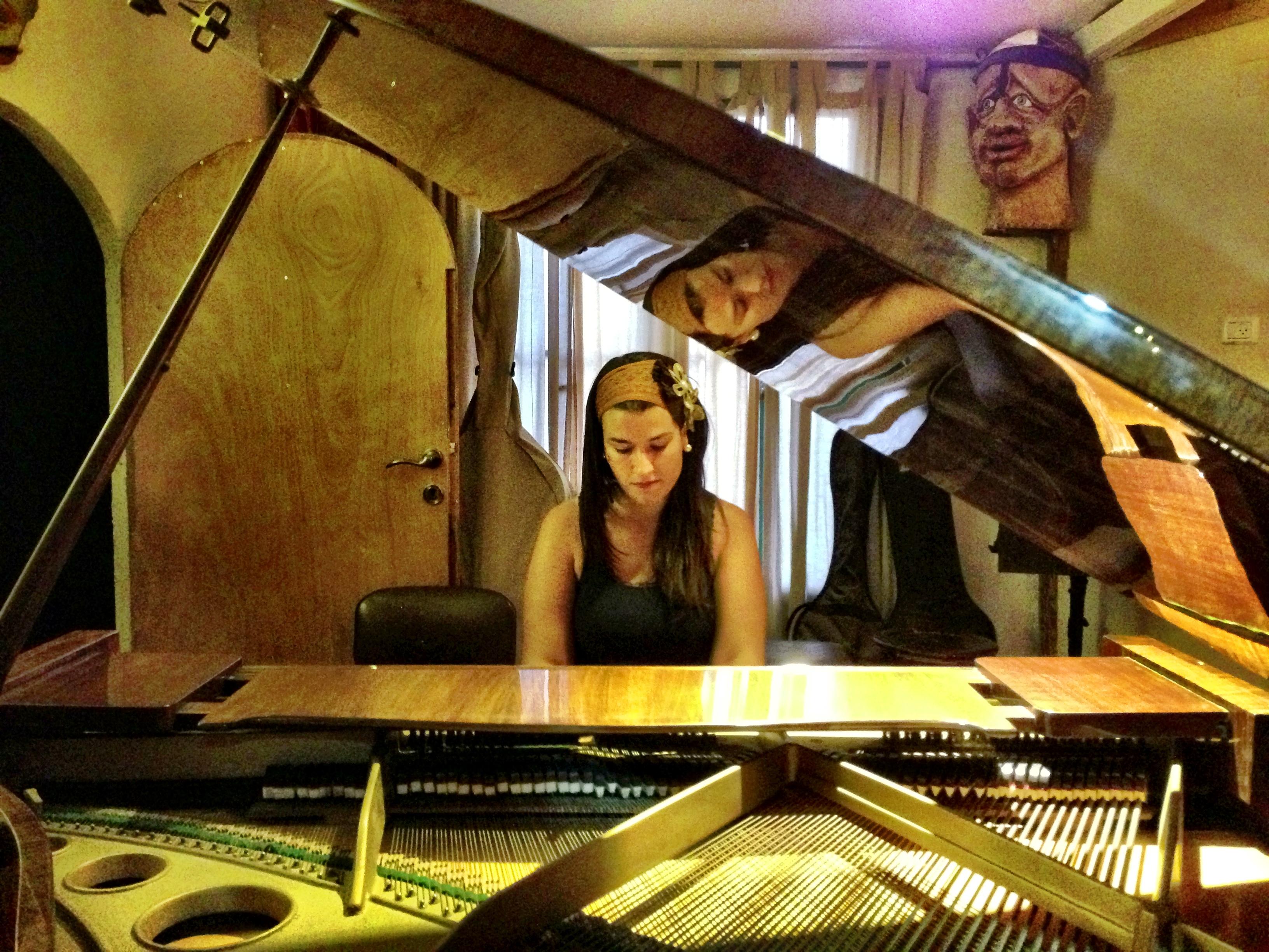 booking studio piano