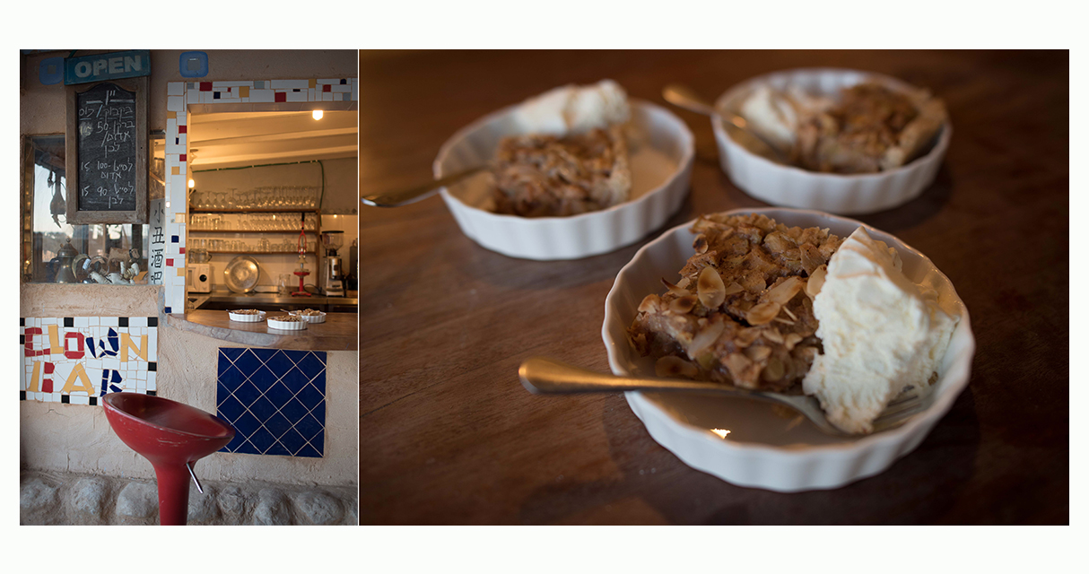 booking apple cake and kitchen comp