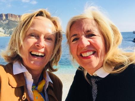 2 Frauen, erfüllt sein, Freude, Dankbarkeit*