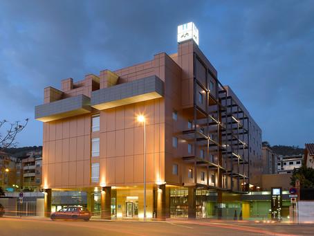 La cadena Macià Hoteles,  Alojamiento Oficial de la Ultra Sierra Nevada