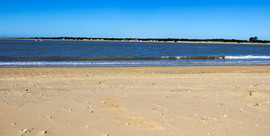 playa-bajo-de-guia-1024x514.jpg