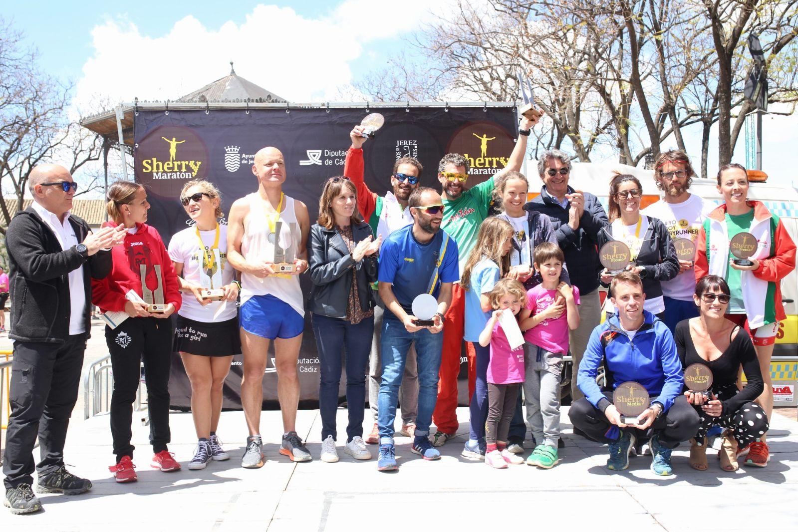 Sherry_Maratón_2018_Club_ganador__A.D._Maratón_Jerez_©_Jaime_Porrúa