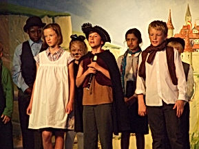 easy primary school plays,pied piper,hamelin,pantomime,free plays,magic parrot,rats,germany,plague,