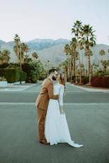 Palm Springs_ CA Modern-Vintage Elopemen