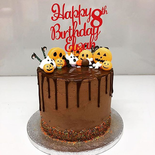 Macaron drip cake