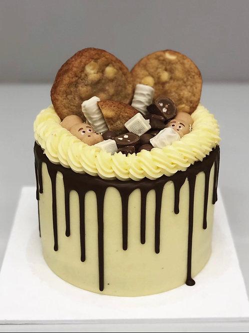 Chocolate and Cookies Drip Cake