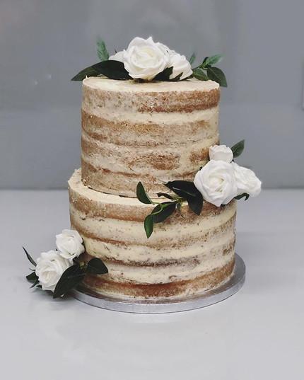 Sometimes simple is best #weddingcake #n