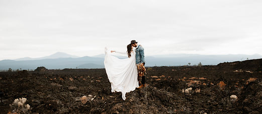 wedding photography in the mountains in Bend, Oreon