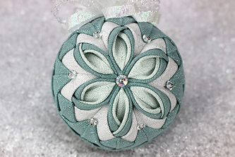 poinsettia-quilted-ornament-pattern.jpg