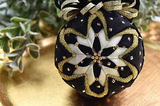 black-gold-flurry-quilted-ornament-1.jpg