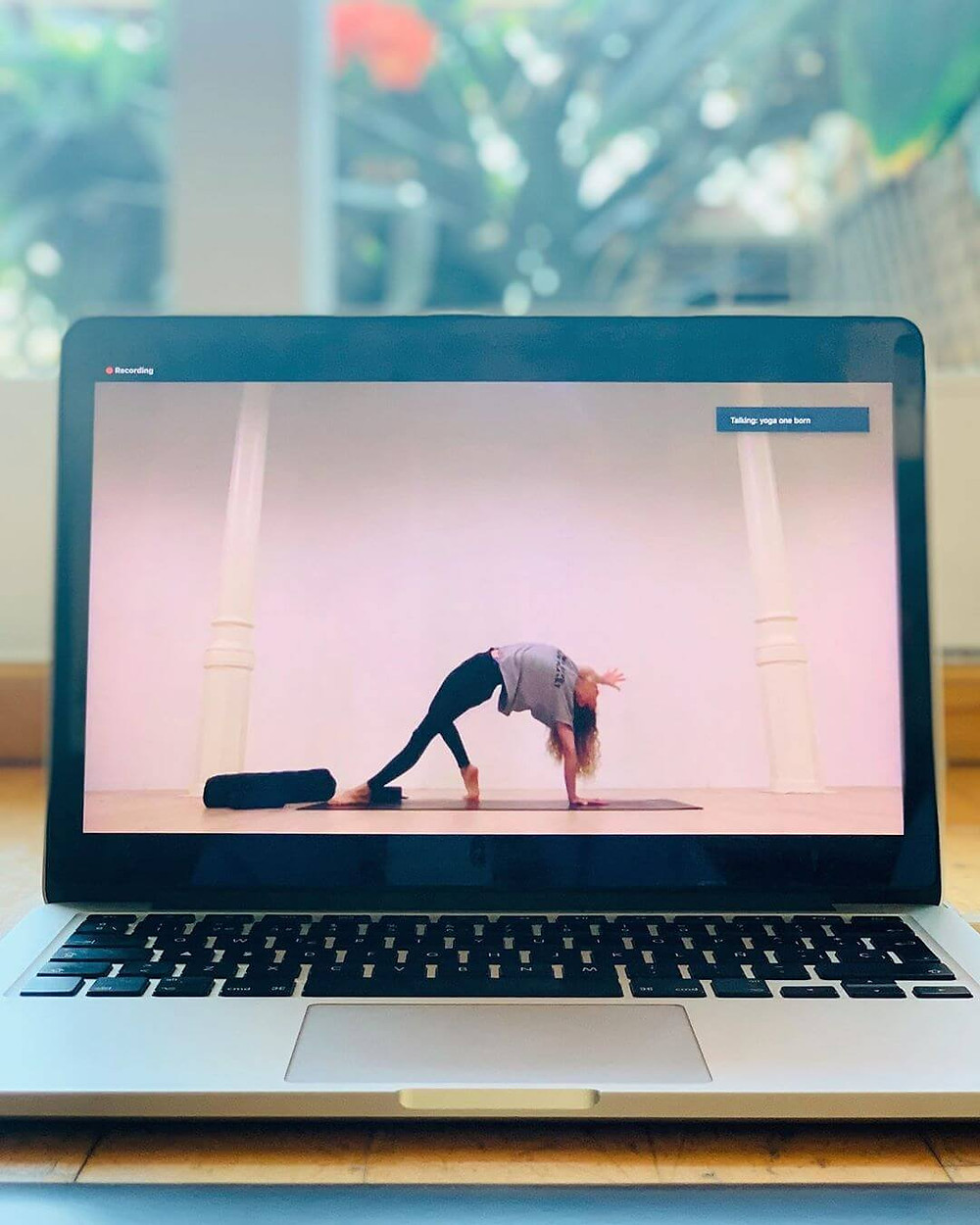 lucybeyourmagic instagram online yoga classes