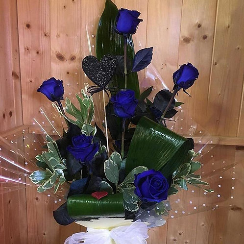 6 Blue Roses Arraignment in a box