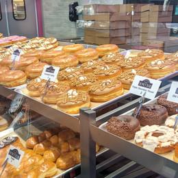 donut-bar-riverside-donut-case.jpg