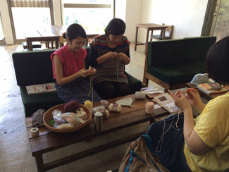 妊婦さんの為の編み物教室。妊婦さんパワーは凄かった!