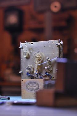 Zeigerwerk und Aufzugsmechanismus