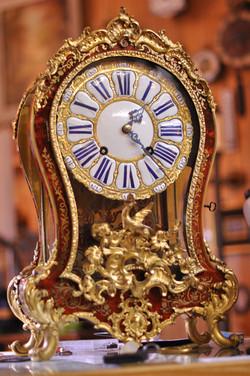 Neuenburger Pendule im Stil Louis XV