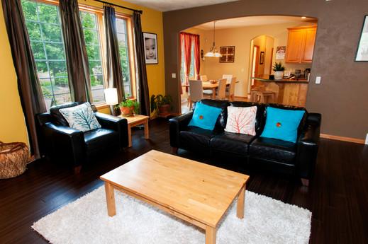 06-Living Room.jpg