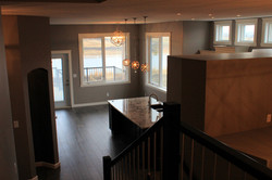 2120 view to kitchen fr stairs