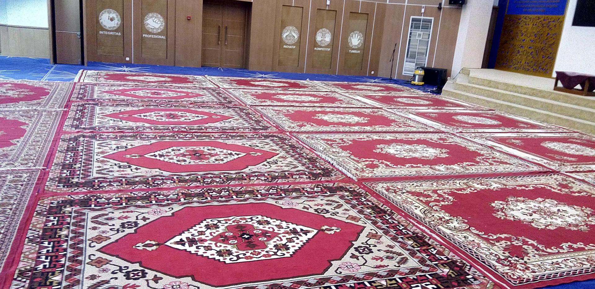 Karpet Permadani Merah
