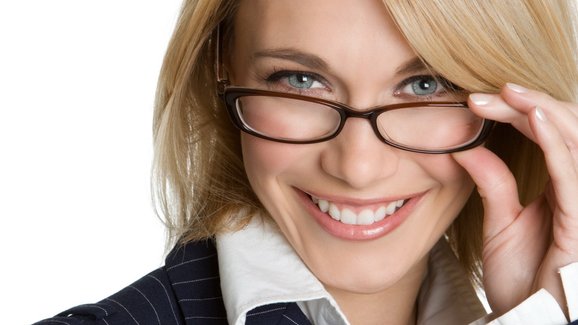 smile-gray-eye-blonde-business-woman.jpg