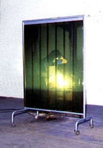 Fabricação biombos para proteção de locais de solda