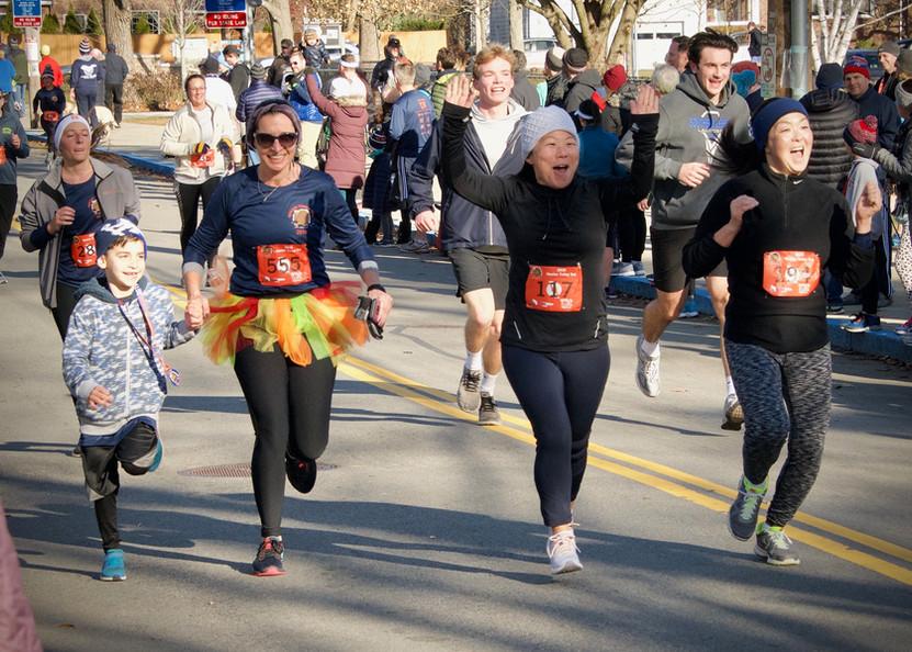 happy runners.jpeg