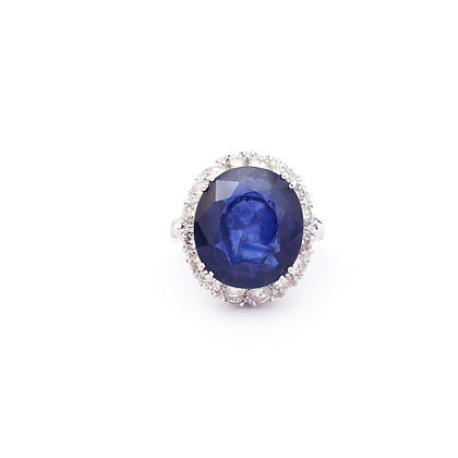 Large Blue Sapphire Diamonds Ring