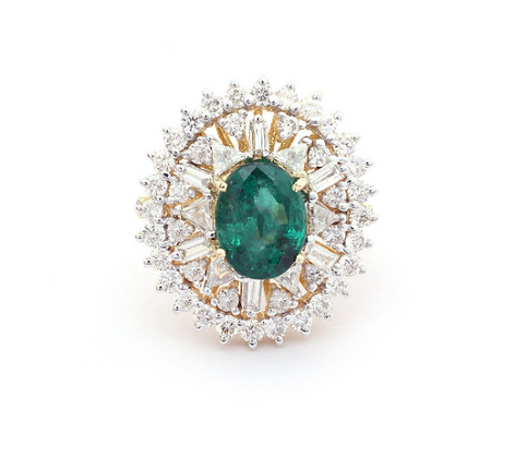 Luxury Emerald Diamond Cluster 18Kt Gold Ring