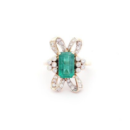 Designer Emerald Diamonds Ring