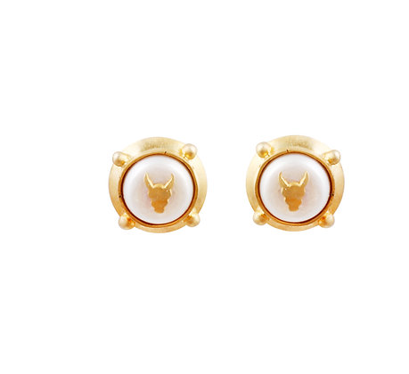 Pearl Chic Stud Earrings