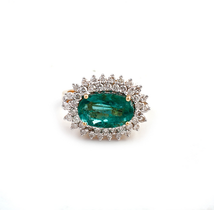 Natural Oval Emerald Diamond Cluster 18Kt Gold Ring
