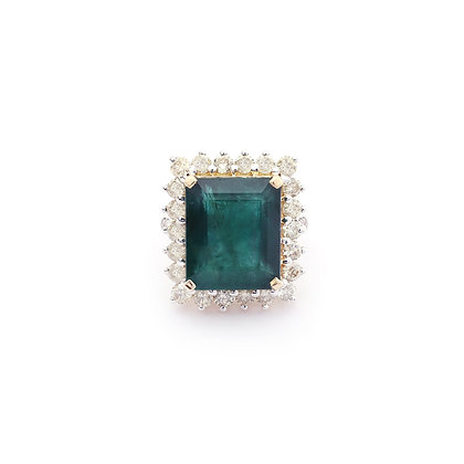 Important Emerald Diamonds Ring