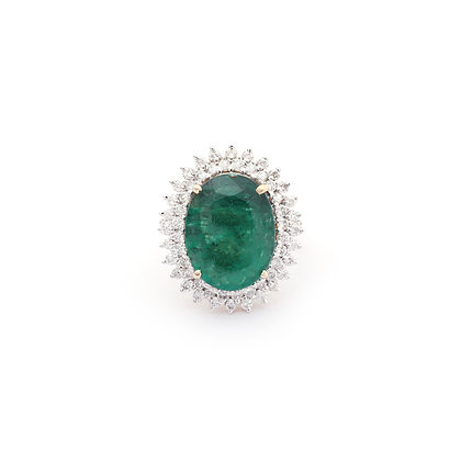 Precious Emerald Diamonds Ring