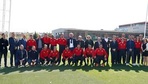 Saray García, con varios campeones del mundo en el curso de entrenador