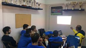 Álvaro Villarroel se reúne con los entrenadores de la Escuela