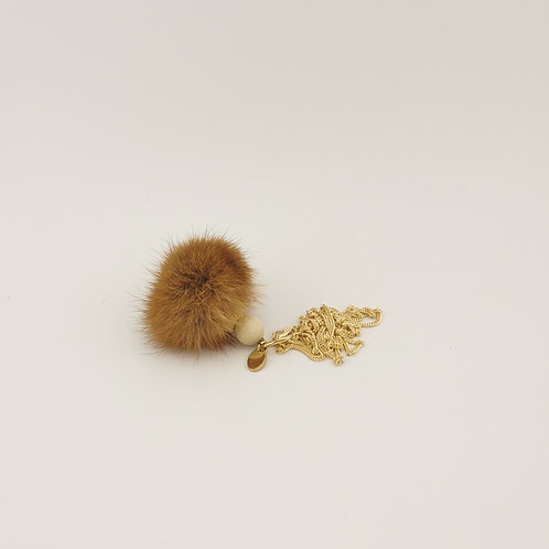 Kettenanhänger aus braunem Naturpelz & Kette