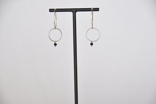 Ohrring mit kleinem schwarzem Swarovskistein & Ring