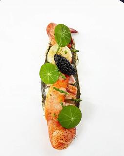 #lobster #bergamot #caviar #chefjamesoakley #chefsofinstagram #cheflife #cheflifestyle #thestaffcanteen #theartofplating #foodstarz_official