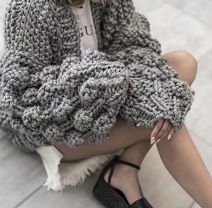 Cardigan fait main Oversize Manches Boules Gris clair handmade knitted cardigan 2019