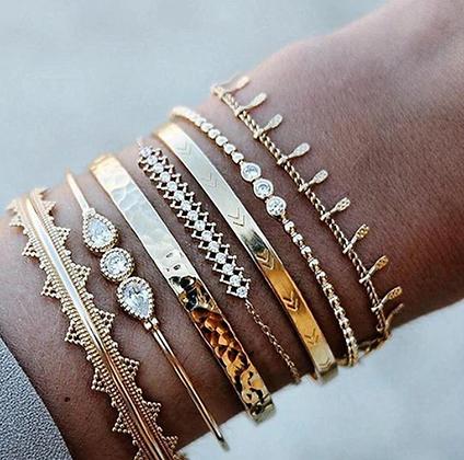 Set 7 Bracelets dorés Bohochic Raeina