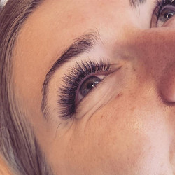 She had so many natural lashes! These vo