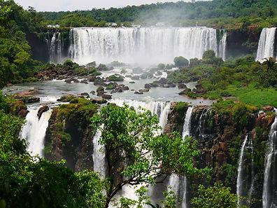 Les chutes d'Iguaçu vues du Brésil.