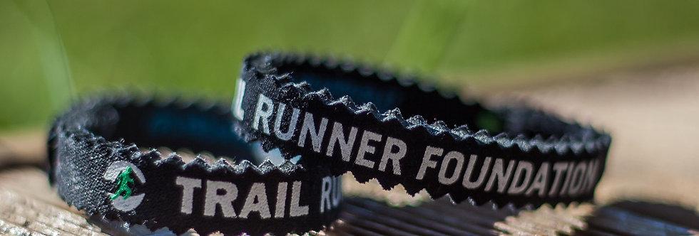 Bracelet pour la foundation trailrunner, un geste simple  des randonneurs, runners, qui permet de garder la nature belle