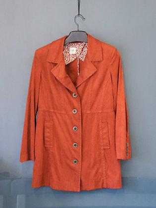 棗紅色長身外套