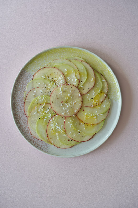 Carpaccio de chou rave, pomme et citron vert