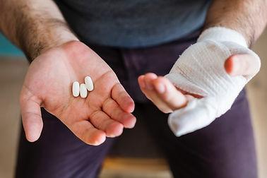 bandage-close-up-drugs-1371172.jpg