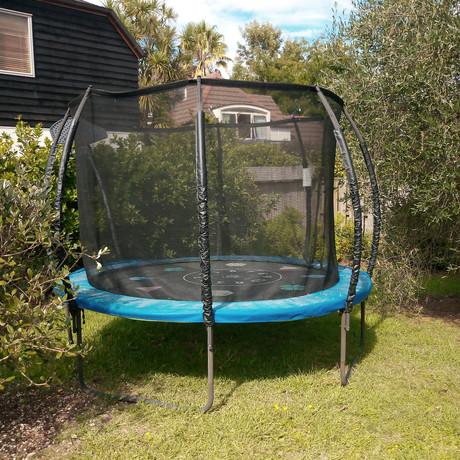 We dismantle trampolines