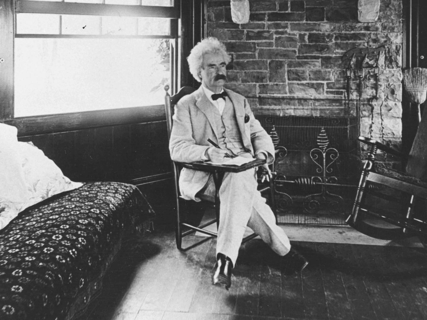 Mark_Twain_seated 2.jpg